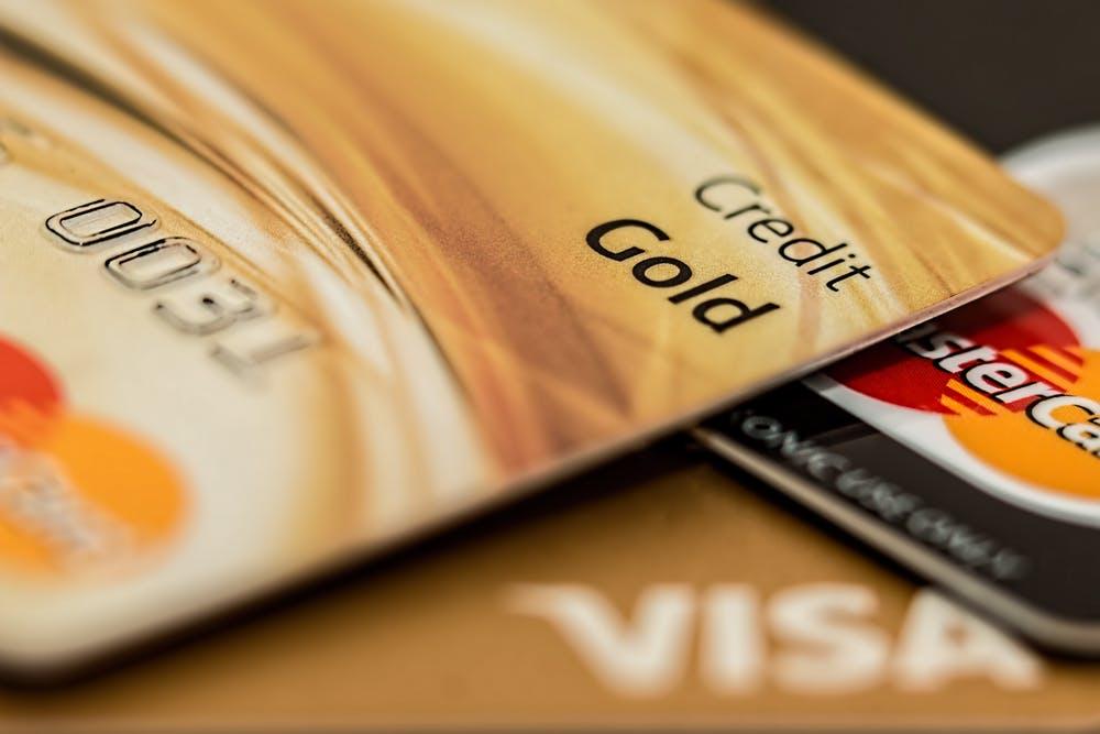 クレジットカードが複数写っている